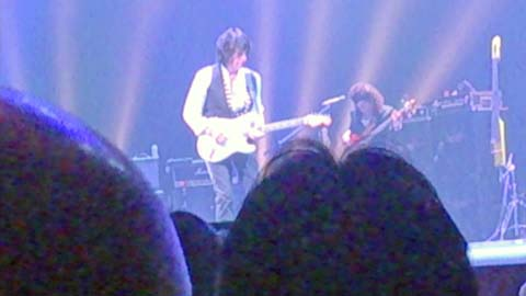 ジェフ・ベック(JEFF BECK)2014年アルカイックホールのライブ開始前のステージの様子