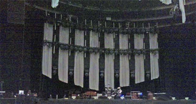 ウィンウッド(Steve Winwood)クラプトン(Eric Clapton)@大阪城ホール2011-11-22の開演前